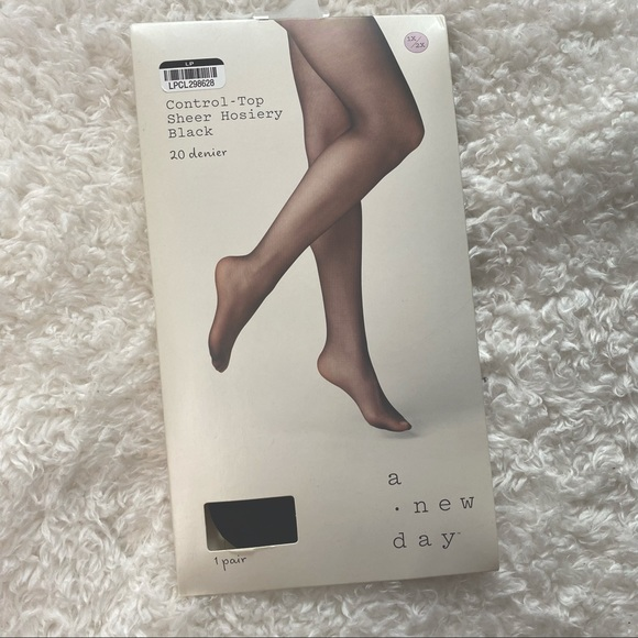 NWT a new day Control Top Sheer Hosiery 1x/2x